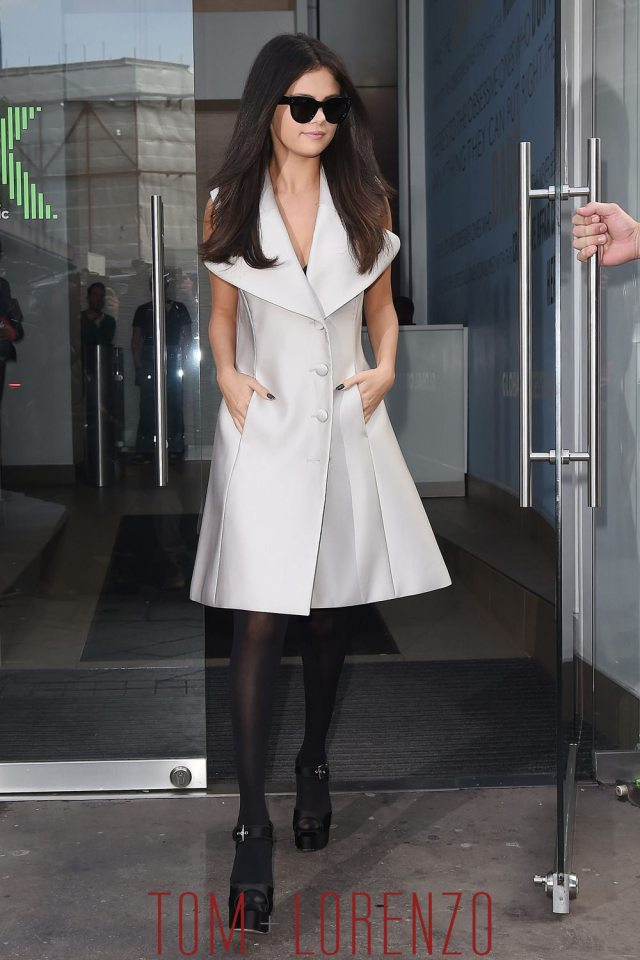 Selena-Gomez-FM-Studios-London-Fashion-Stree-Tyle-Co-Tom-Lorenzo-Site-1