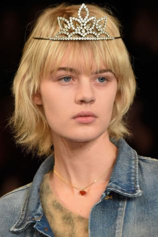 hbz-ss2016-beauty-trends-charm-school-saint-laurent-clp-rs16-1970