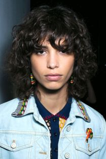 hbz-ss2016-beauty-trends-natural-texture-hilfiger-bks-a-rs16-6427