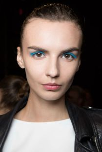 hbz-ss2016-trends-makeup-blue-eyes-lhuillier-bks-m-rs16-1634