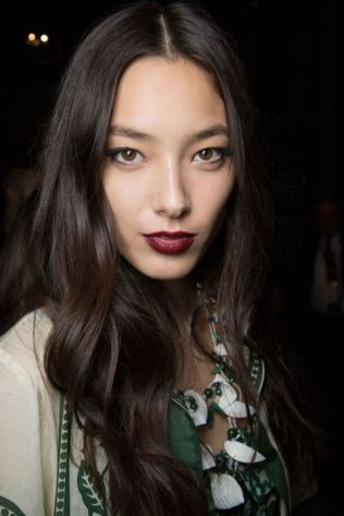 hbz-ss2016-trends-makeup-dark-lips-anna-sui-bks-m-rs16-6822