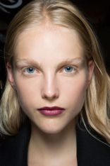 hbz-ss2016-trends-makeup-dark-lips-burberry-bks-z-rs16-4519