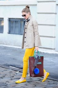 Olivia-Palermo-In-Yellow-Loafers-and-Berry-Brown-Tote