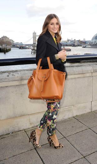 olivia-palermo-meli-melo-thela-bag-floral-pants
