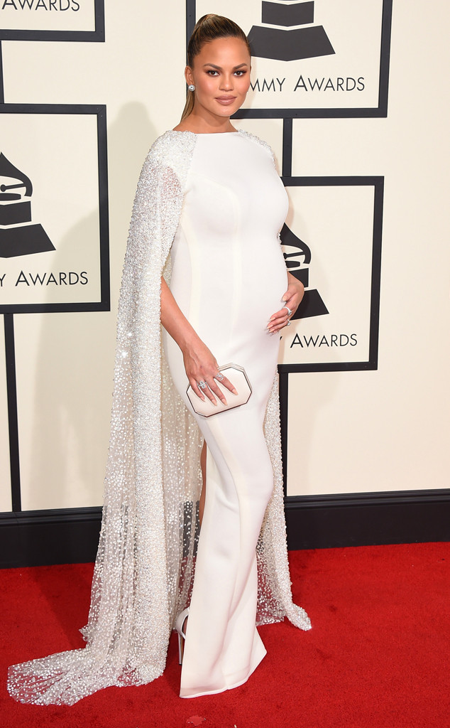 rs_634x1024-160215165817-634-2016-Grammy-Awards-chrissy-teigen