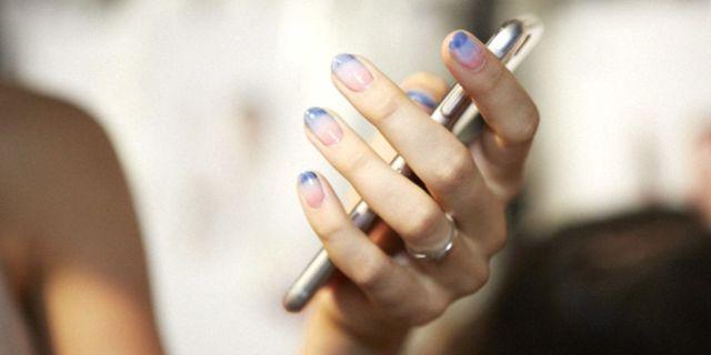 gallery-1447434365-hbz-ss2016-trends-nails-essie-rminkoff
