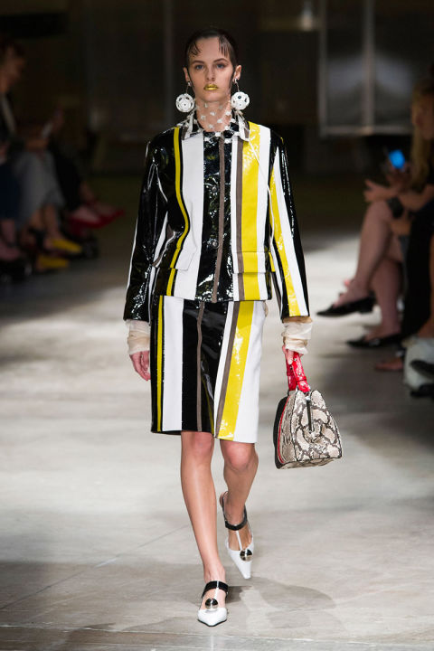 hbz-ss2016-trends-stripes-07-prada-rs16-4458