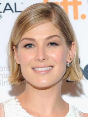 548a165b338bb_-_rbk-2015-hair-color-trends-rosamund-pike-s2.jpg